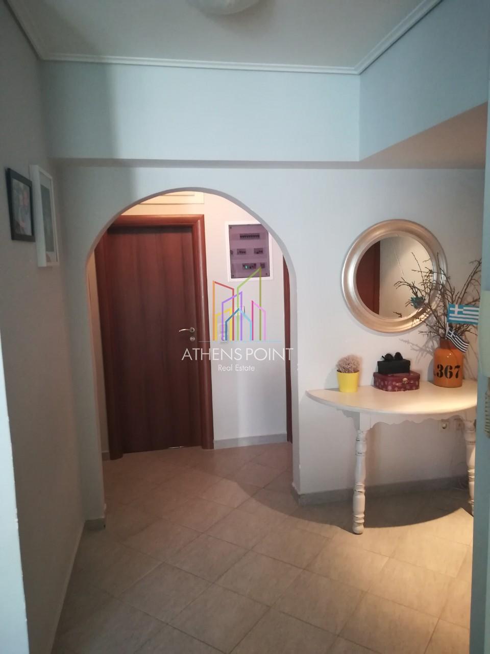 Πωλείται οροφοδιαμέρισμα στον 3ο όροφο στο Παγκράτι