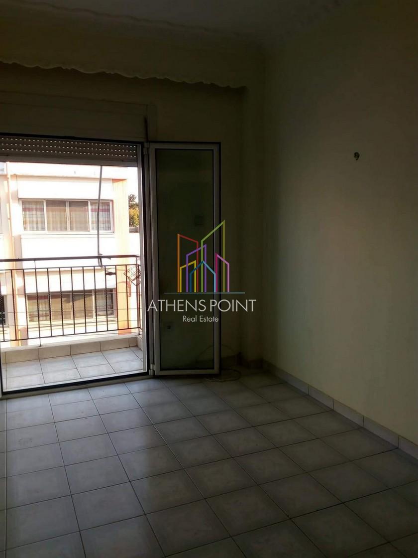 Διαμέρισμα 63τμ στον 2ο όροφο προς πώληση στα Καμίνια Πειραιά
